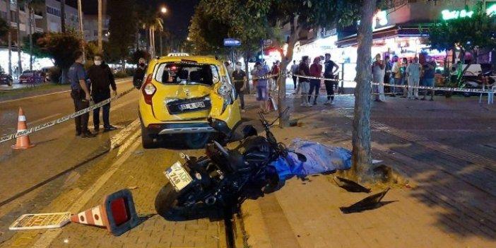 Alanya'da feci kaza. Park halindeki taksiye çarptı, motosiklet sürücüsünden acı haber