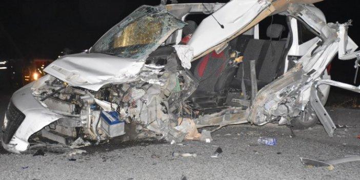 Kars'ta korkunç kaza: Ölü ve yaralılar var