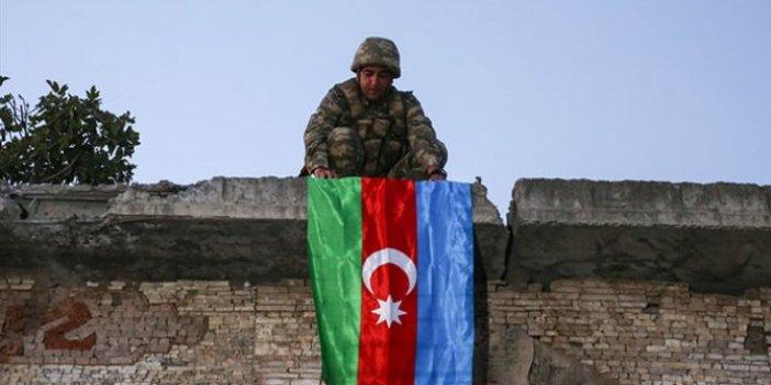Azerbaycan, Bağımsızlık Günü'nü büyük zaferlerle kutluyor