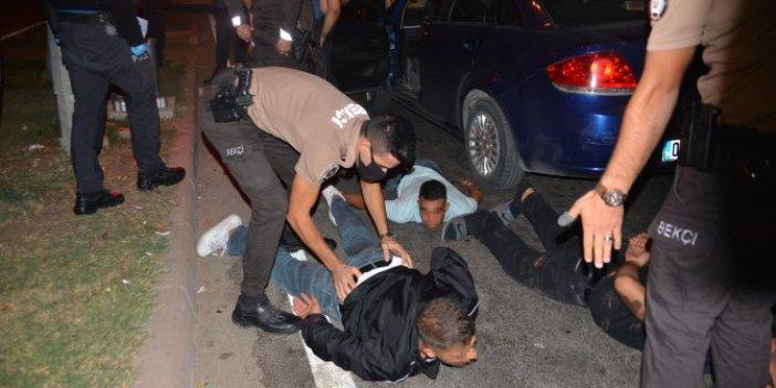 Adana'da 10 kilometre kovalamaca bu yüzdenmiş. Polisin 'dur' ihtarına uymadılar