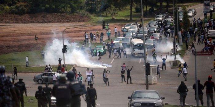 Polis şiddeti gösterisinde 15 ölü