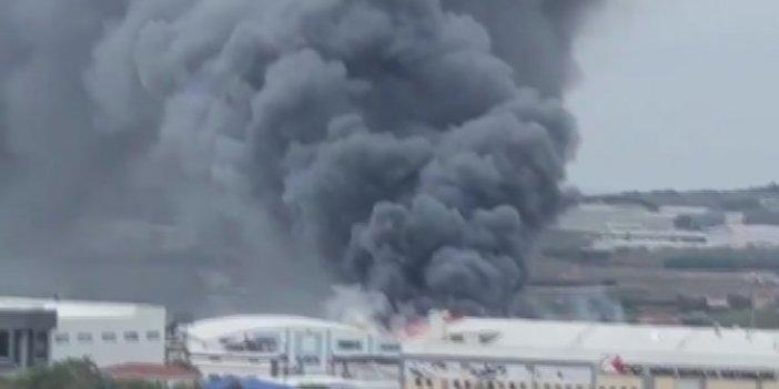 Silivri'deki fabrikada kara dumanlar tüttü