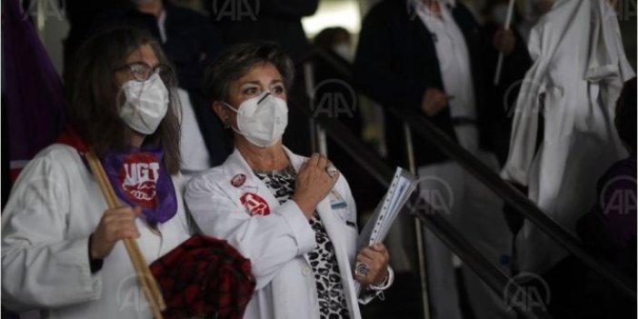 İspanya'da sağlık çalışanlarından korona protestosu