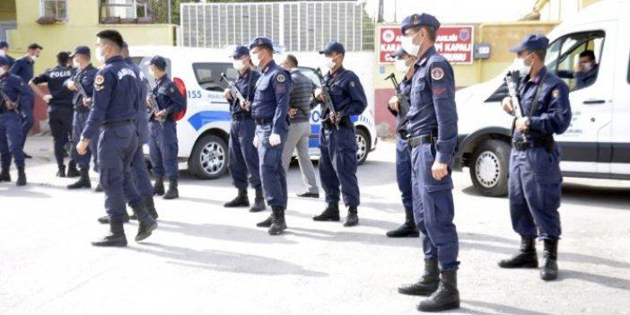 Karaman'daki cezaevi önünde dehşet anları. Kadın gardiyan vuruldu