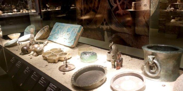 Geçmişe kapı aralayan Gündelik Yaşamın Arkeolojisi sergisi sanatseverlerle buluştu