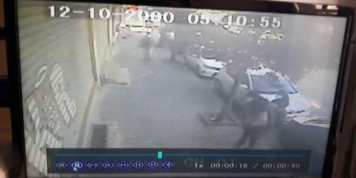 Bayrampaşa'da 17 yaşındaki kız dehşeti yaşadı. Kaldırımda yürürken bıçaklı saldırıya uğradı