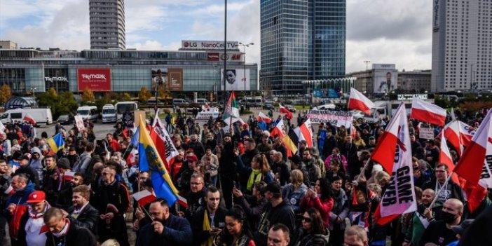 Avrupa'da korona krizi büyüyor. Tek tek sokağa dökülüyorlar