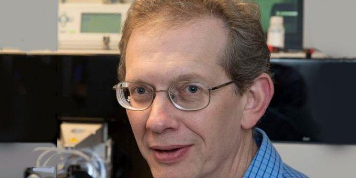 Cambridge Üniversitesi Profesörü korona virüsün sırrını açıkladı
