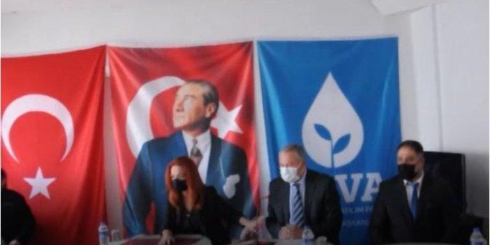 İzmir'deki deprem Manisa'da DEVA Partisi kongresinde hissedildi
