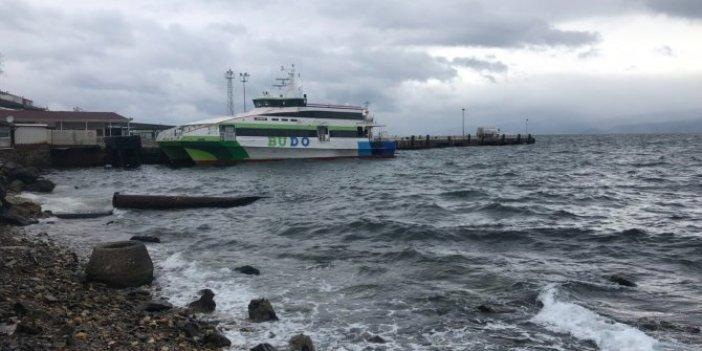 Deniz otobüs seferlerine fırtına engeli