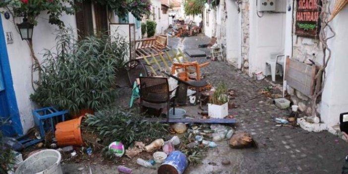 İşte Tsunami sonrası Seferihisar sokakları, dün buraları sular kaplamıştı!