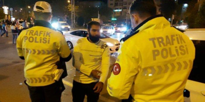İzmir'de yardım çadırından hırsızlık yapan kişiyi vatandaşlar yakaladı