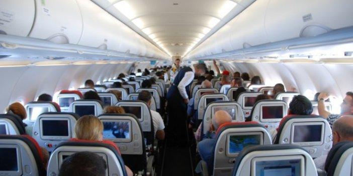 Havayolu şirketinin deprem fırsatçılığını Yeniçağ yazarı Orhan Uğuroğlu ortaya çıkardı, depremden sonra uçak bileti fiyatları böyle fırladı,