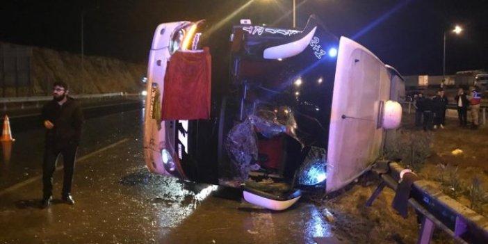 Yağışın etkiyle yolcu otobüsü devrildi. Gaziantep'teki kazada yaralılar var