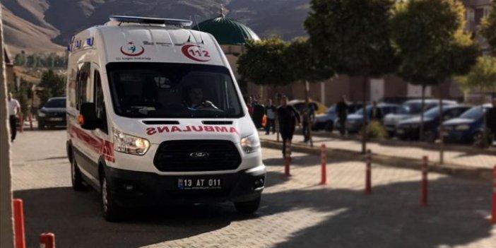 Bitlis'te feci kaza. Tırile yolcu otobüsü çarpıştı: 2 ölü, 12 yaralı