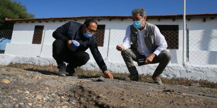 İzmir'den korkutan haber geldi. Depremin ardından toprağın altından fışkırdı. Ünlü profesör uzun süre inceledi