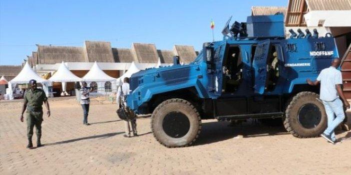 Mali'de yolcu otobüsüne silahlı saldırı. Ölenlerin arasında bebekler de var