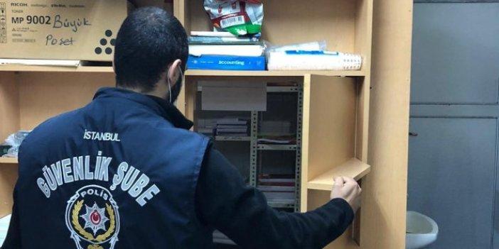 Polis korsan kitapları gizli bölümde buldu