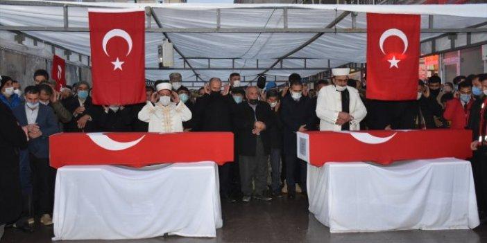 Hakkari'de PKK'lı teröristlerinşehitettiği işçiler son yolculuklarına uğurlandı