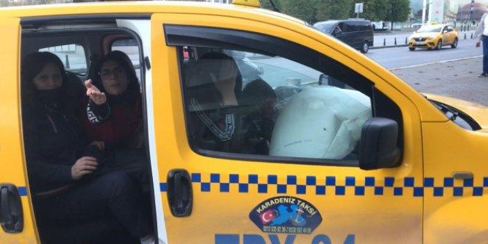 Taksim'de araç dubaya çarptı turist şok geçirdi