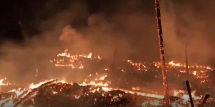 Kastamonu'da bir köy yandı. Elektrik kontağından çıkan yangın köyü yaktı