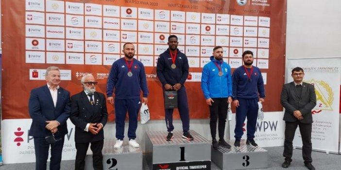 Milli güreşçiler Polonya'da üç stilde 34 madalya aldı