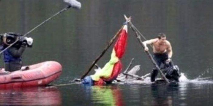 Ünlü belgeselci Bear Grylls dünyaya rezil oldu. Meğer herkesi kandırmış