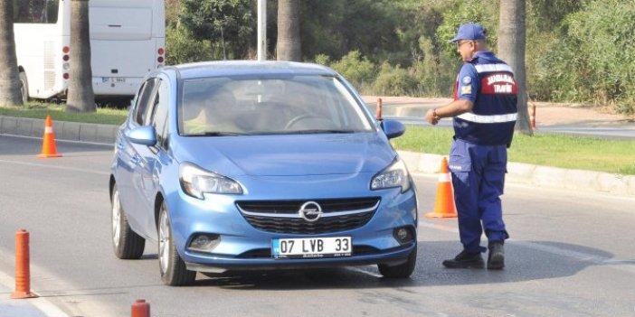 Antalya'da 1 saatte 55 sürücüye 28 bin 750 lira ceza kesildi