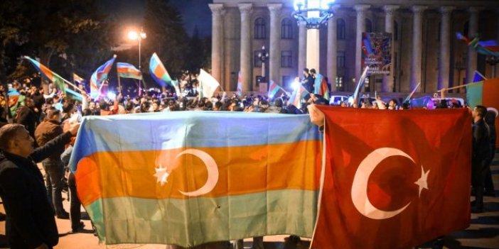 Azerbaycan sokaklarında zafer kutlamaları yapılıyor