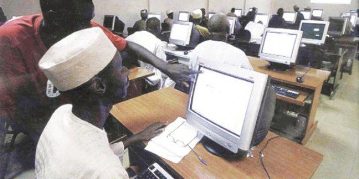 Nijeryalılar kendini internete verdi