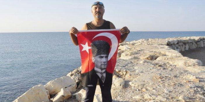 Ulu Önder Mustafa Kemal Atatürk'ü anmak için 10 km yüzdü