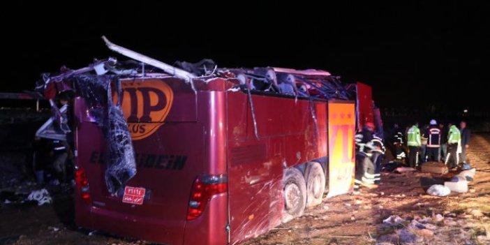 Şanlıurfa'da devrilen otobüste can pazarı yaşandı! Onlarca yaralı var