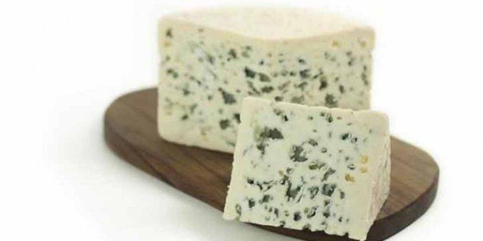 Rokfor peyniri nedir. Rokfor peyniri nasıl yapılır. Rokfor peynirinin faydaları nelerdir. Rokfor peyniri hangi ülkenin, nasıl tüketilir?