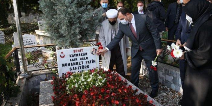 Şehit kaymakam Muhammed Fatih Safitürk mezarı başında dualarla anıldı