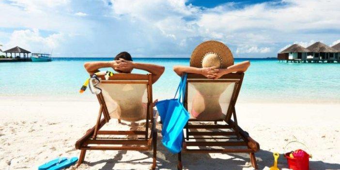 Virüsten ölmeyip bahara erişen iki uzun tatil yapacak. Bayram tatillerinin süresi belli oldu. 2021'de kaç gün resmi tatil olacak?