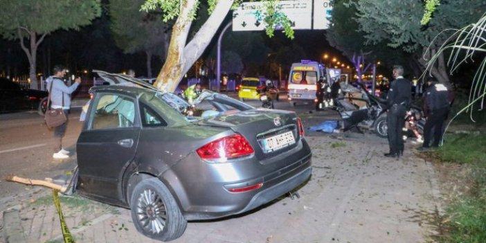 Ortadan ikiye bölünen otomobili kameraya çekerlerken 900 TL para cezası yediler