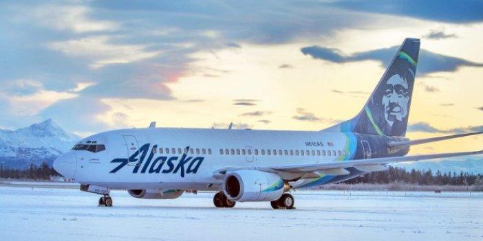 İniş yapan uçak havaalanında boz ayıya çarptı. Pilot gözlerine inanamadı. ABD bu olayı konuşuyor