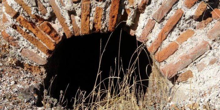 Bir kazan dolusu altın için kazdılar. Erzurum'daki topçu kulesinde 2 metre derinliğe indiler