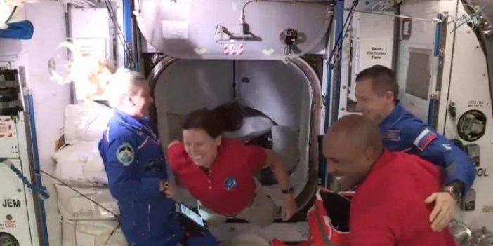 NASA Elon Musk'ın Dragon'unu uzaya fırlattı. İşte o ilginç görüntüler