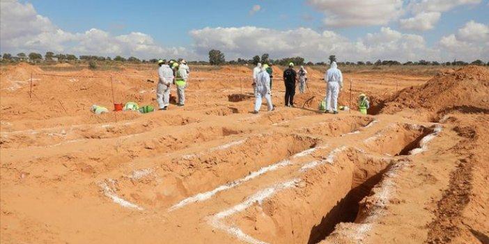 Libya'da yeni toplu mezar. Cesetler çıkarılıyor, sayısı belli değil