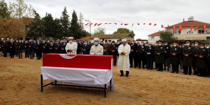 Şehit Yarbay Rasim Sayın memleketiEdirne'de son yolculuğuna uğurlandı