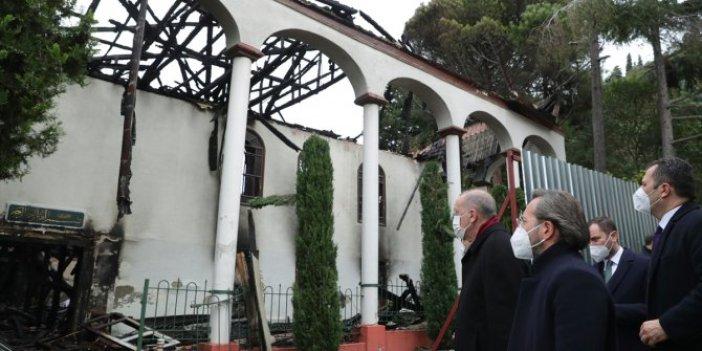 Erdoğan yanan Vaniköy Camisi'ni ziyaret etti
