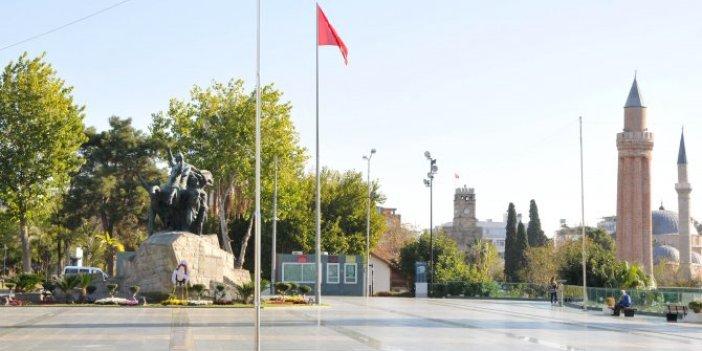 Yasaklar kafa karıştırdı, İstanbul dışında Türkiye'de sokaklar boş kaldı