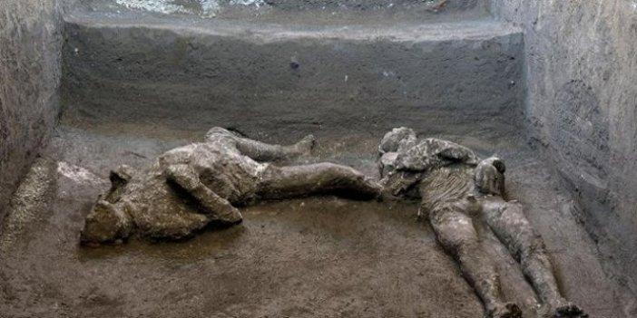 Pompei'de küllerle kaplanmış şekilde bulundular. Görenler dondu kaldı