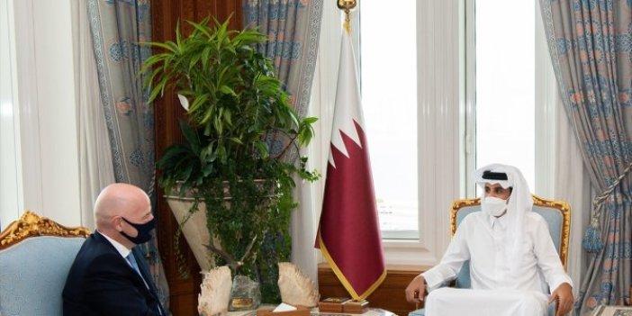 Katar Emiri, FIFA Başkanı'yla ülkesinin ev sahipliğinde yapılacak 2022 Dünya Kupası'nı görüştü