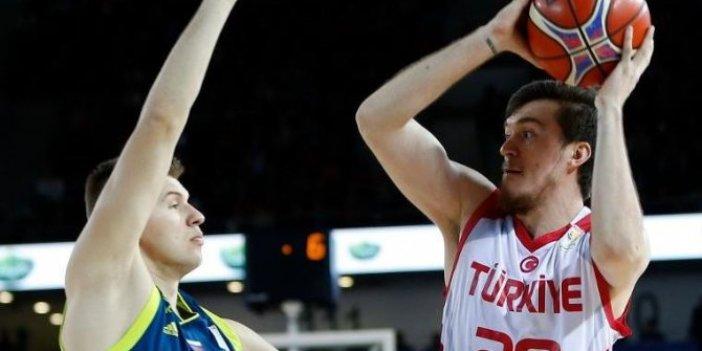 A Milli Basketbol Takımı'nın rakibi Hırvatistan. Potada 966. milli mesai