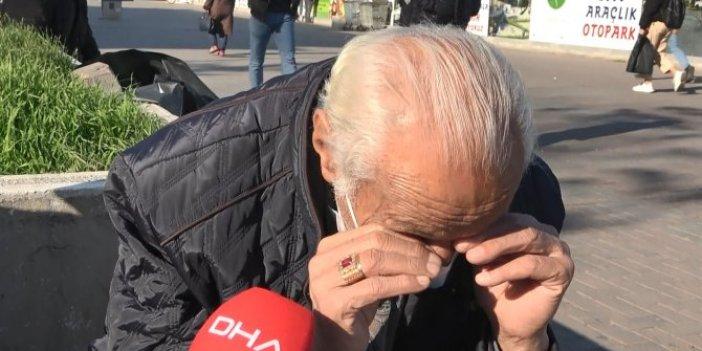 Karantinadaki oğluna ekmek almaya çıkan yaşlı adam gördükleri karşısında gözyaşlarını tutamadı
