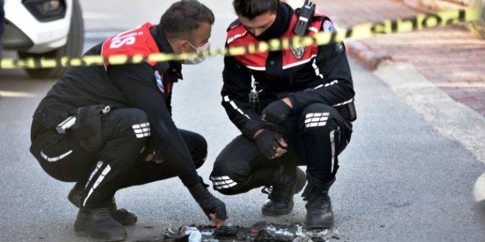 Esrarengiz olay o soygunu akıllara getirdi, sokak ortasında polis teçhizatı yakıldı