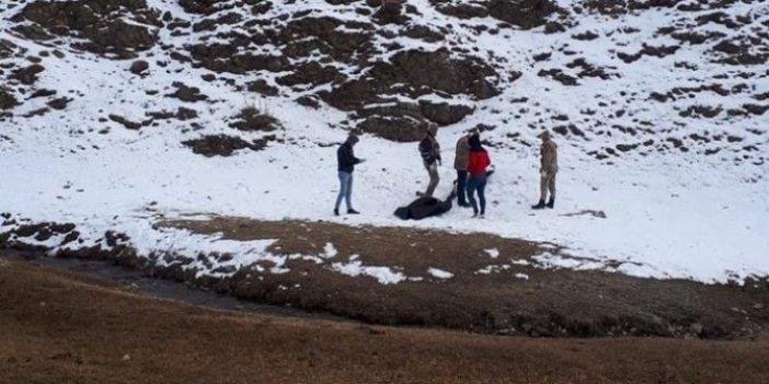 3 kaçak göçmen İran sınırında donarak öldü