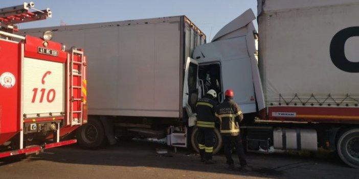 Anadolu Otoyolu'nda kaza. İstanbul yönü ulaşıma kapandı